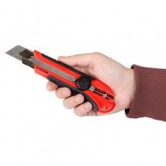 Нож прорезной с металлической направляющей под лезвие 25 мм с обрезиненной рукояткой